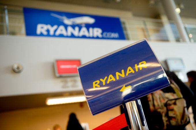 Ryanair didina mokesčius už registruojamo bagažo vežimą